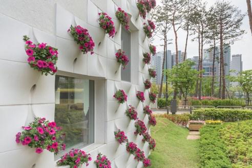 flower-facade-building-tiamgostar.com-7